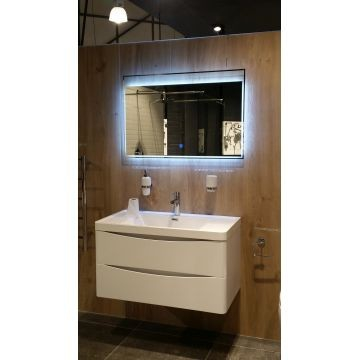 Gio Plumbing - Mirror with LED lights 900mmx600mmx25mm